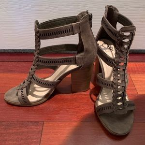 Size 8.5 brownish/gray heel by fergie